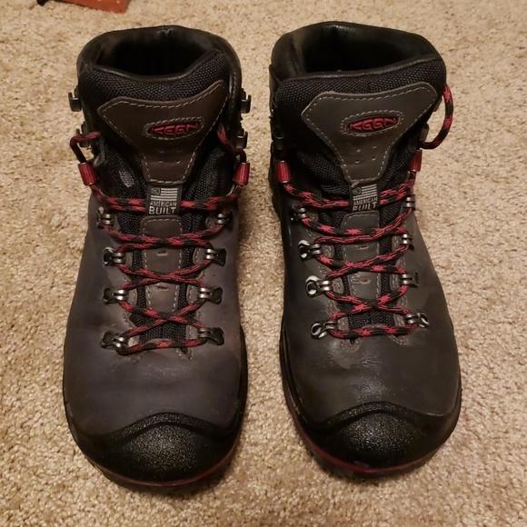 fad7d86419599 Keen Liberty Ridge Womens waterproof hiking boot